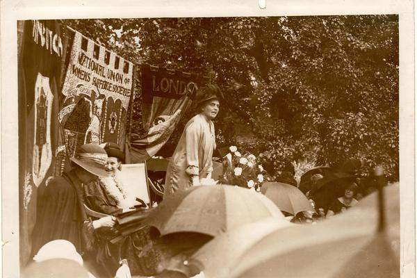 Eleanor Rathbone (suffrage Oxford)