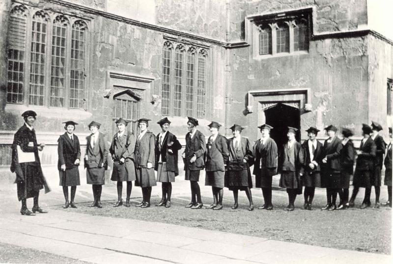 Women matriculating at Oxford c.1920s